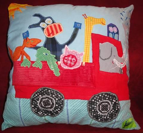 fanthomastisch patchwork art kissen fanthomastisch. Black Bedroom Furniture Sets. Home Design Ideas